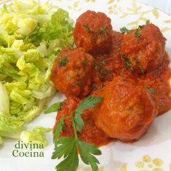 albondigas-con-tomate-en-plato