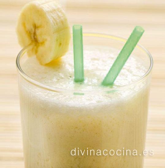 Batido de plátano y caramelo o miel