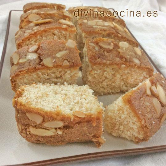 Receta de bizcocho de almendras y queso crema divina cocina for Bizcocho de yogur y almendra