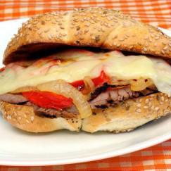 bocadillo-caliente-carne-queso
