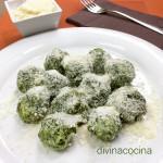 Bolitas de espinacas y Parmesano