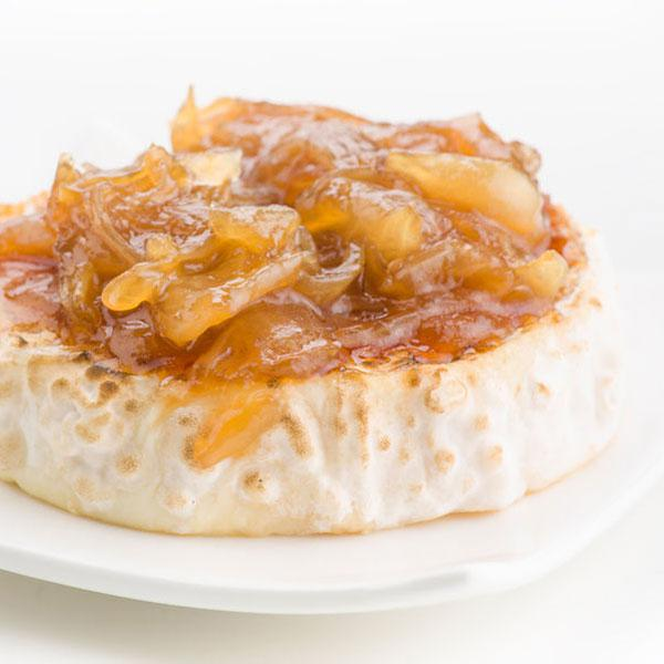 cebolla-caramelizada-sobre-queso-cabra