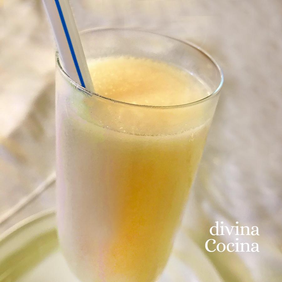 sorbete de limon en una copa