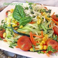 ensalada-de-calabacines-y-vinagreta-de-albahaca