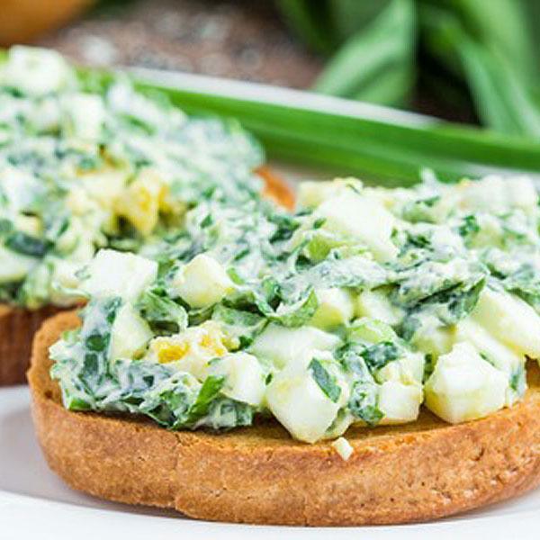 ensalada-de-huevo-hierbas
