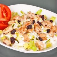 Ensalada de pollo con pasas y yogur