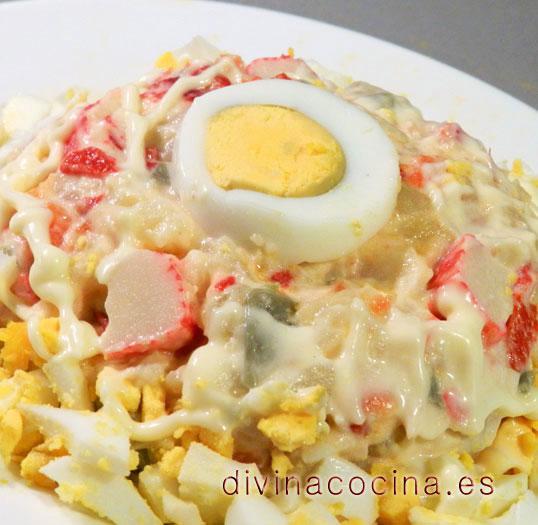ensaladilla-de-huevo-y-surimi