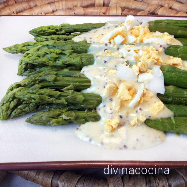 Salsa de mostaza y huevo para verduras