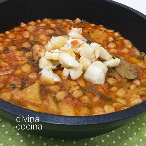 Garbanzos con bacalao divina cocina - Bacalao con garbanzos y patatas ...