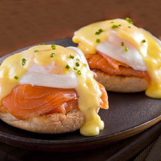 huevos benedictine salmon