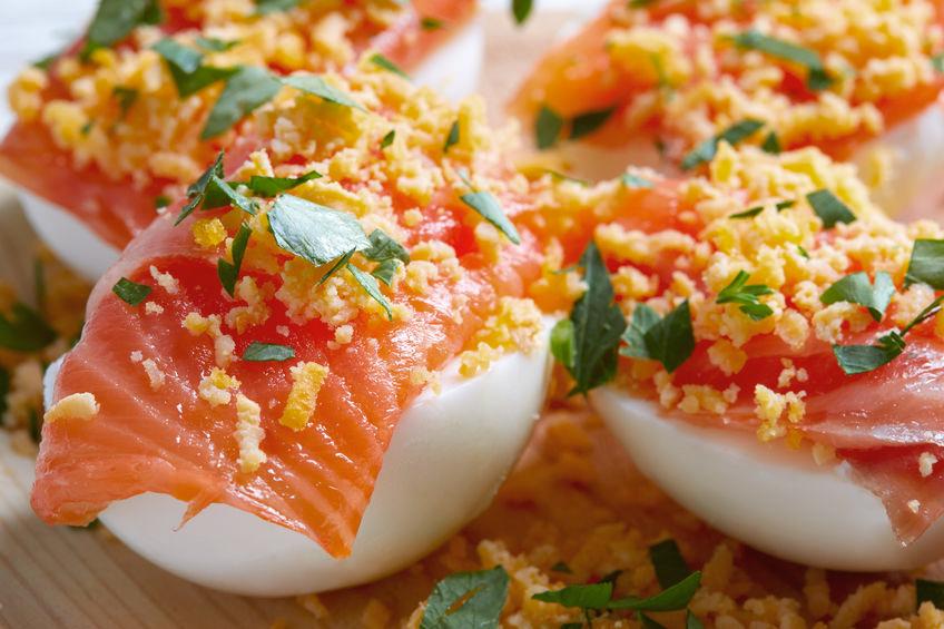 huevos rellenos aurora con salmon