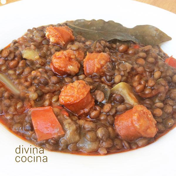 Receta de lentejas con chistorra divina cocina for Cocinar lentejas con verduras