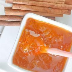 mermelada-de-manzanas-y-canela-en-un-bol