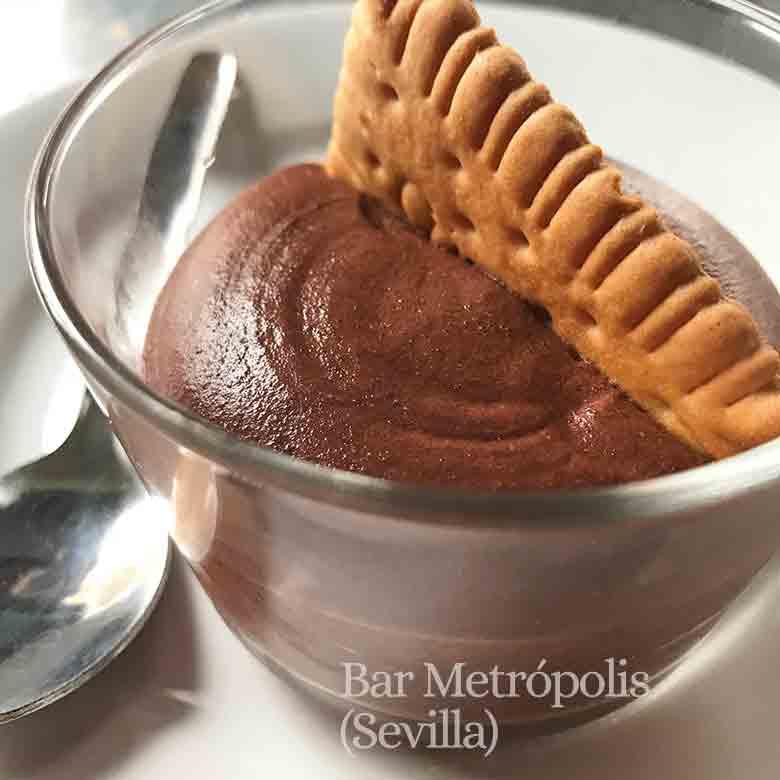 mousse de chocolate en vaso
