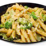 Pasta con brócoli y queso