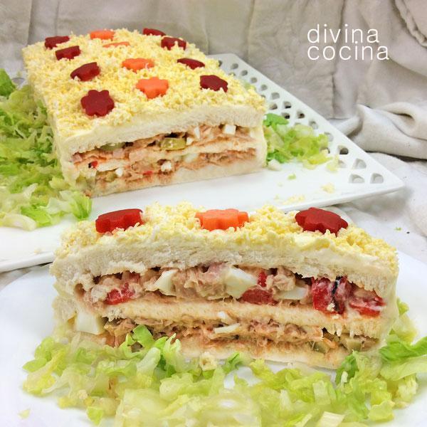 Pastel de sandwich con pan de molde
