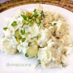 patatas-con-alioli-en-un-plato