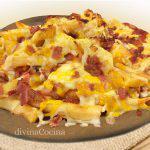 Patatas Foster con queso y bacon