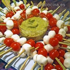 pinchos-de-tomate-y-mozarella