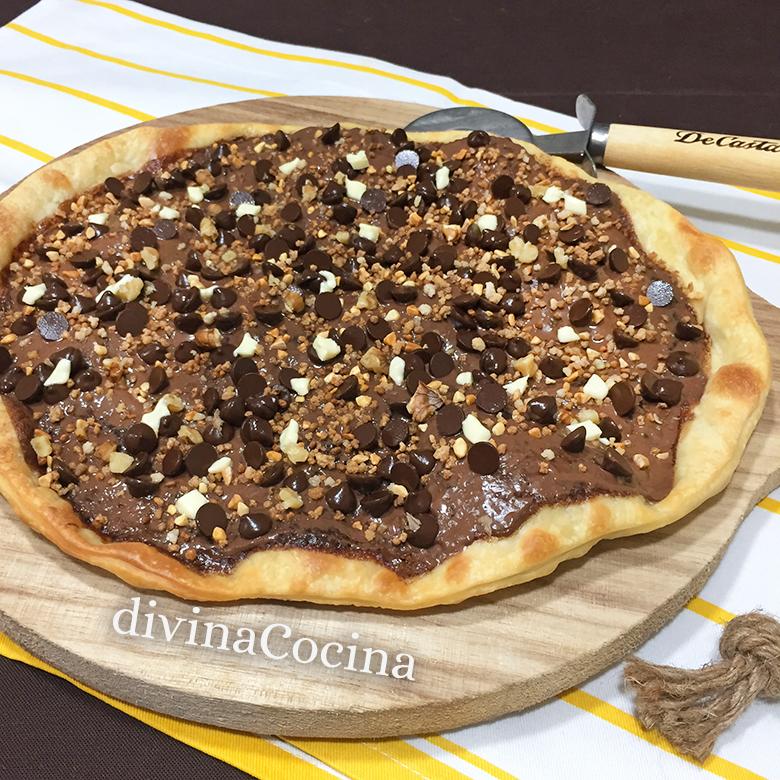 pizza de chocolate entera bandeja