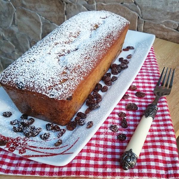 plum-cake-en-bandeja