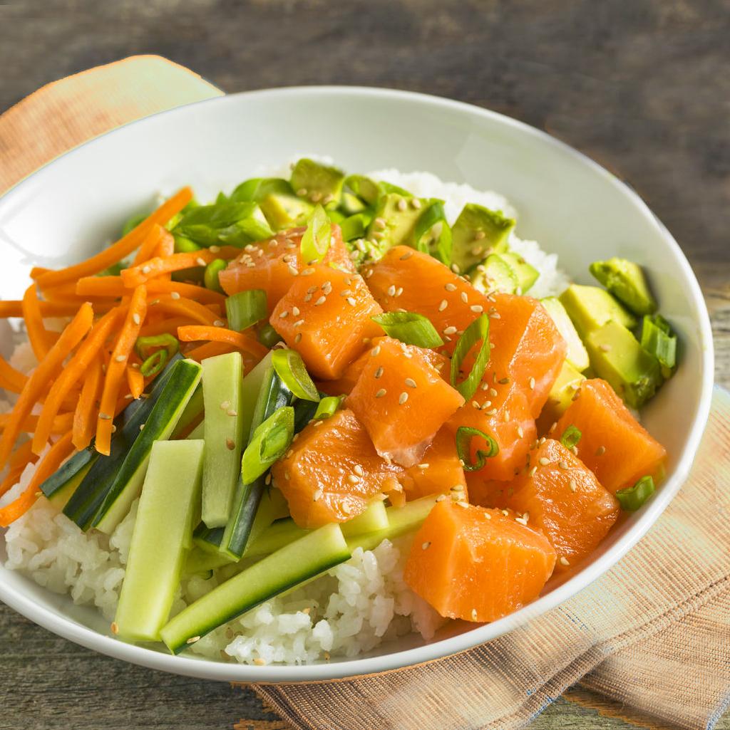 receta de poke bowl de salmon