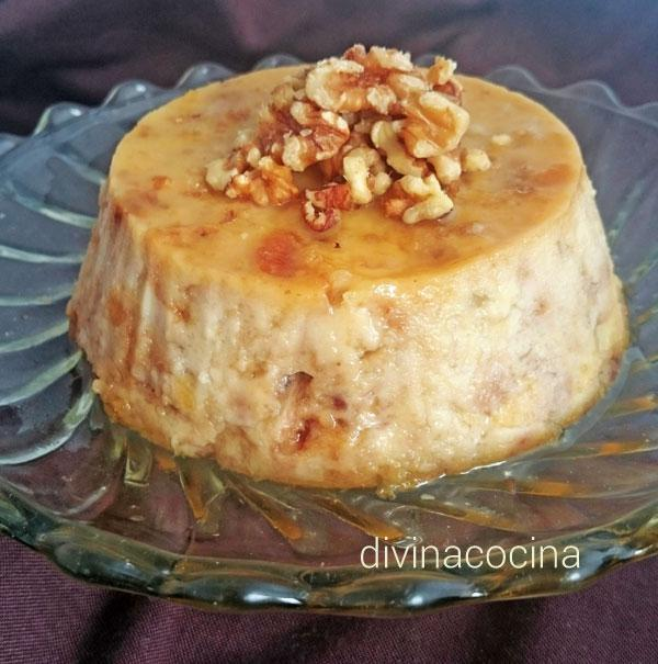 Pudding de plátano y nueces en Pineapple pudding (flan de piña)