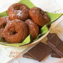 rosquilla-de-chocolate-en-un-bol