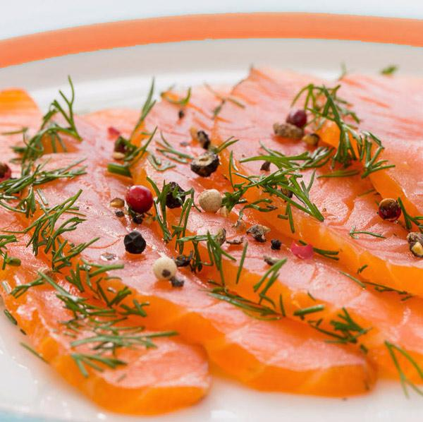salmon-marinado-servicio