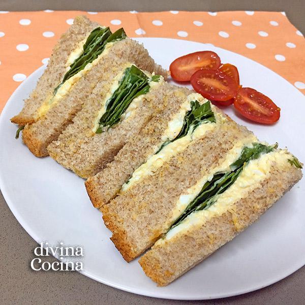 sandwich de huevo y espinacas