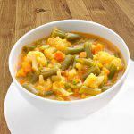 Sopa de verduras al curry