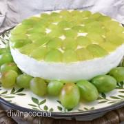 tarta-de-queso-con-uvas-entera