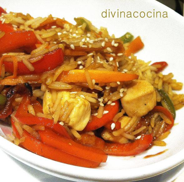 Salteado de arroz, pollo y verduras