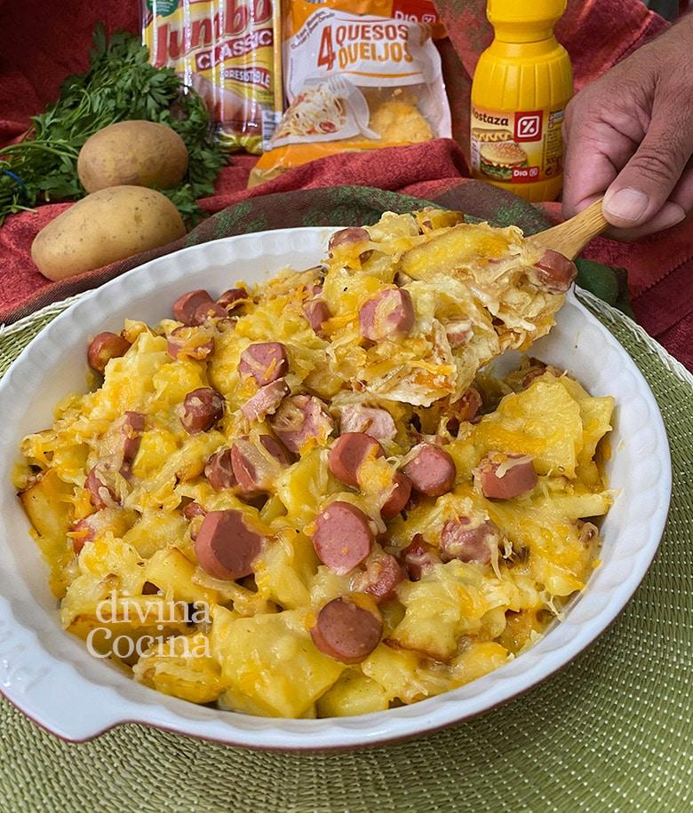 graten de patatas con salchichas