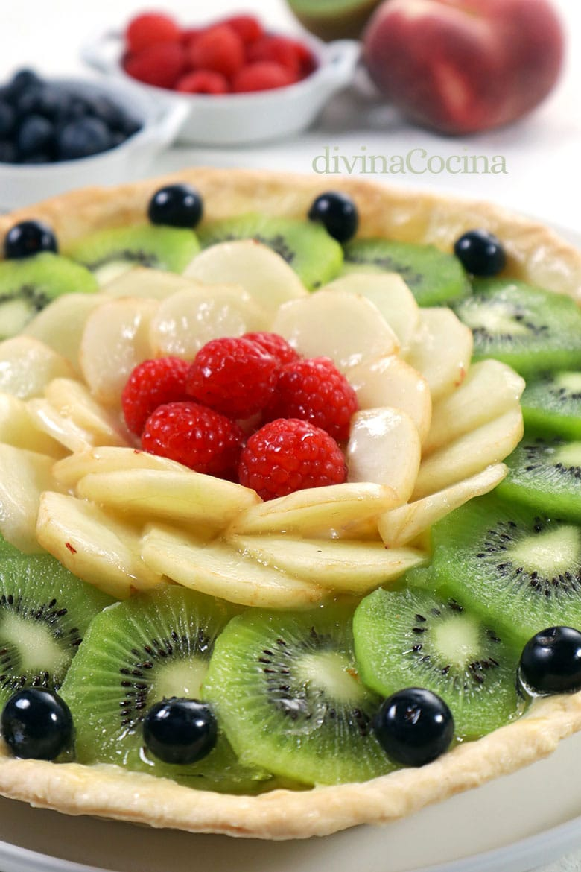 tarta crema frutas