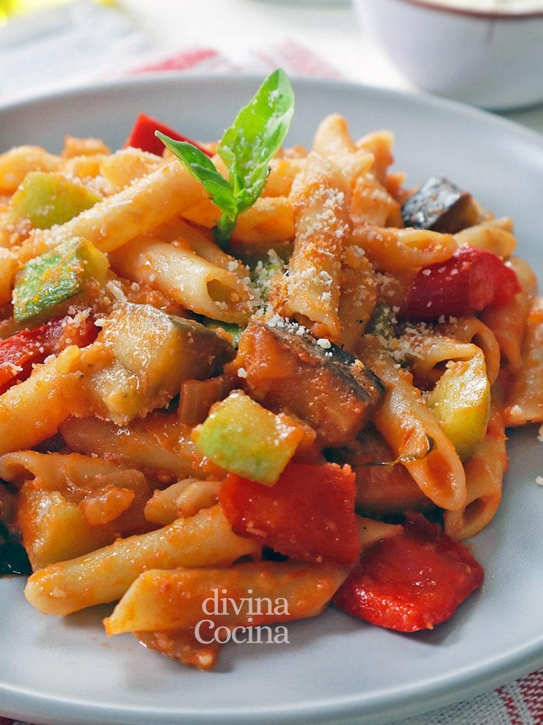 macarrones con pisto de verduras
