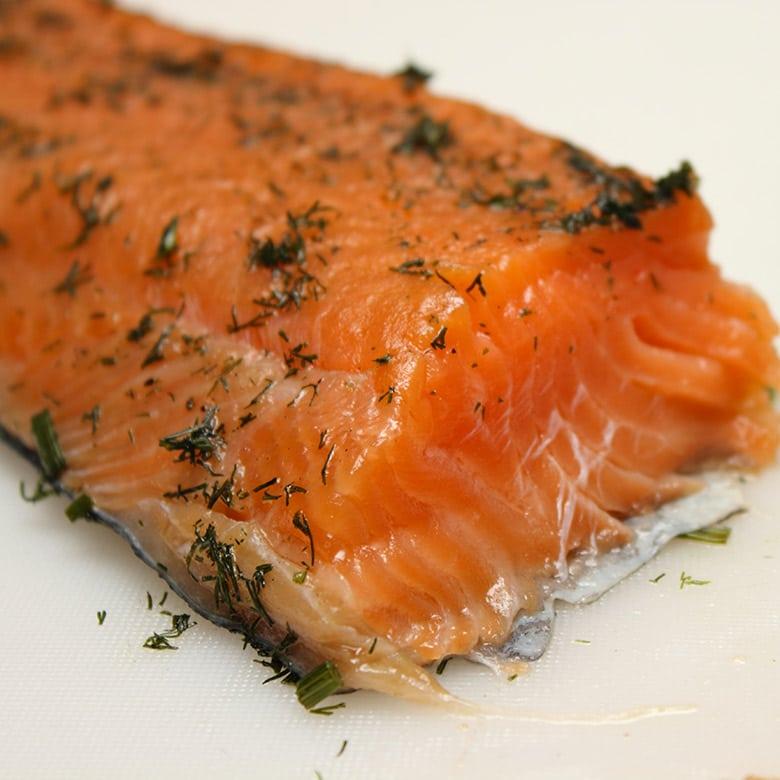 salmon marinado gravlax detalle