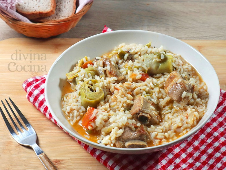 arroz con costillas y alcachofas