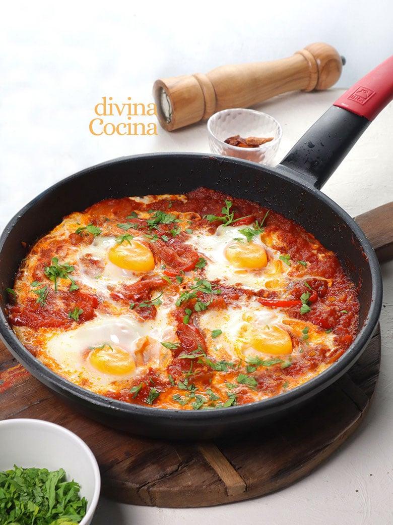 shakshuka huevos con tomate