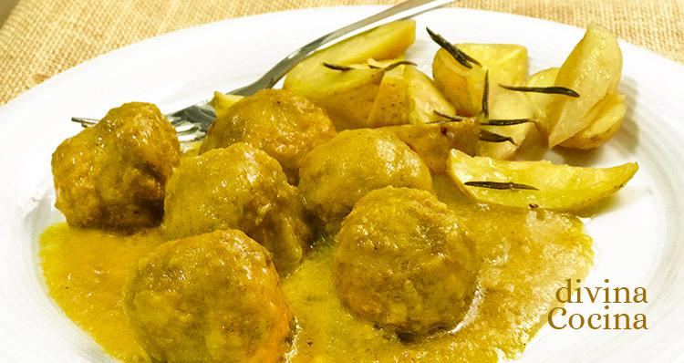 albóndigas de pollo al curry