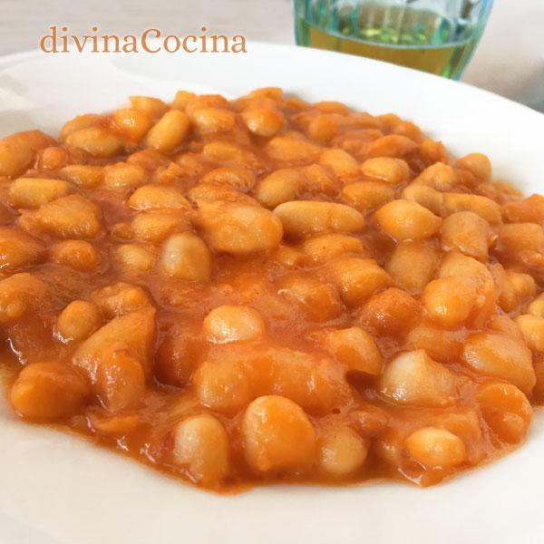 alubias con tomate estilo inglés (baked beans)