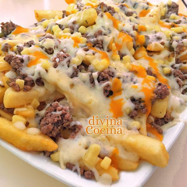 patatas fritas con carne y queso