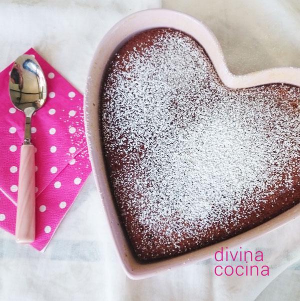 bizcocho de chocolate blanco