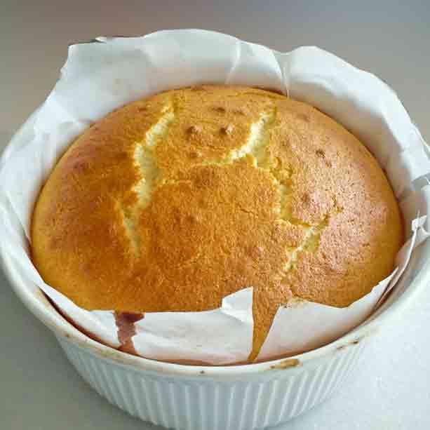 bizcocho-de-limon-en-el-molde