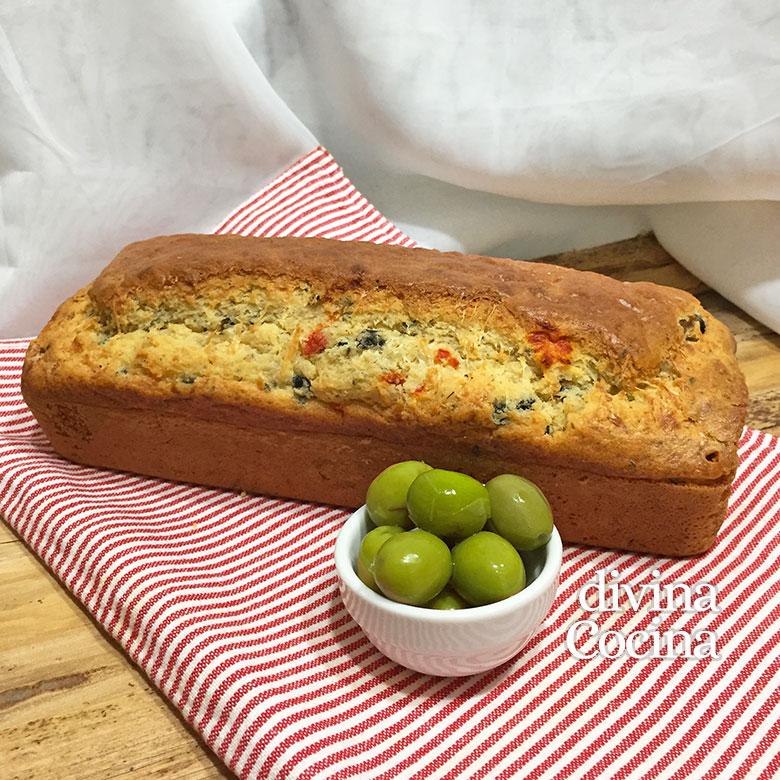 cake salado queso y aceitunas