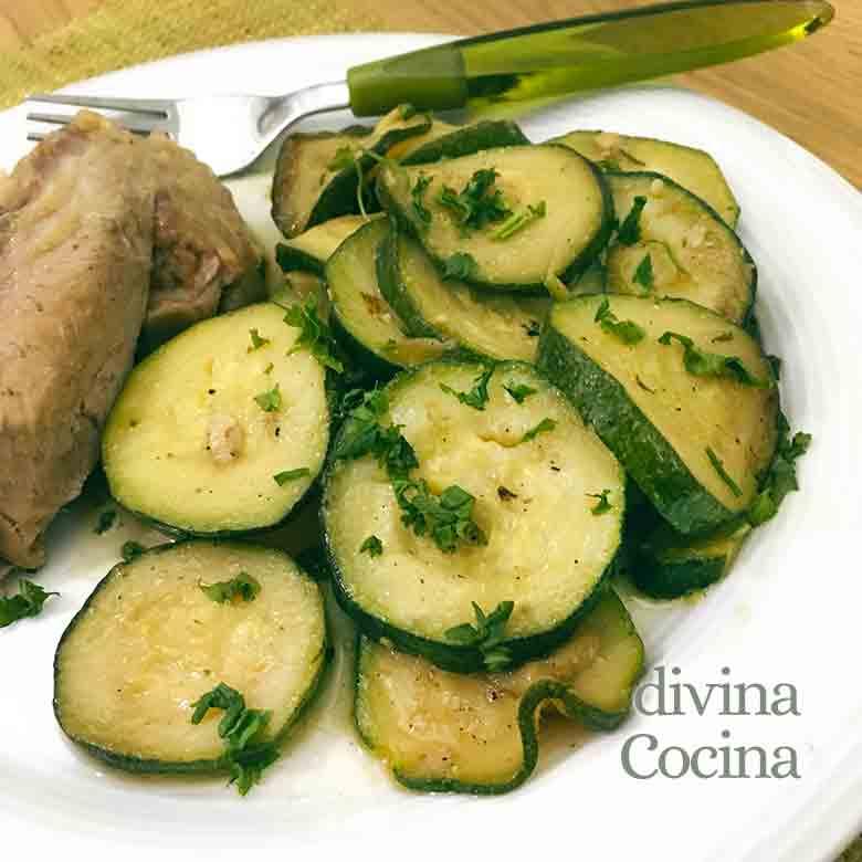 Receta De Calabacines Al Ajillo Fáciles Divina Cocina