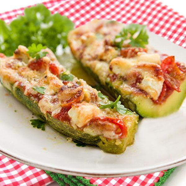 calabacines rellenos de tomate y queso