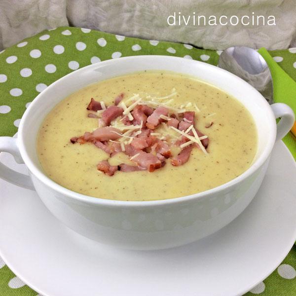 Crema de patata con cebolla y bacon