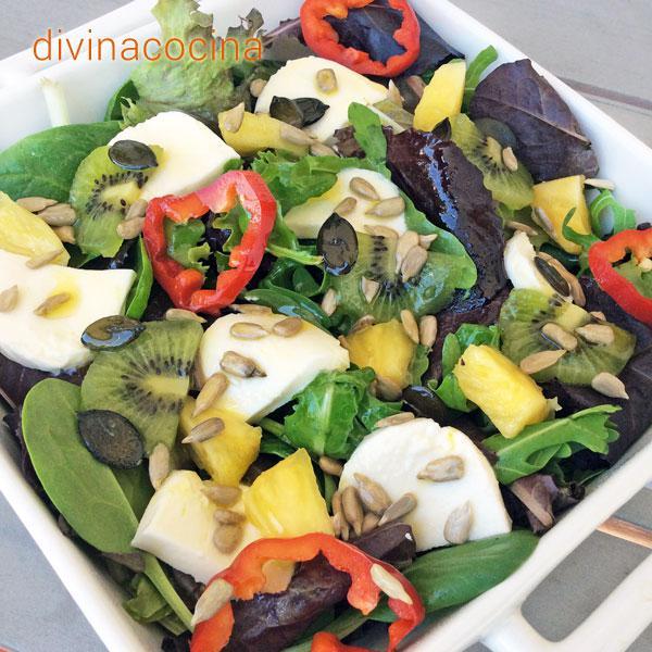 ensalada crujiente con frutas