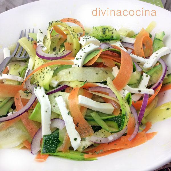 Ensalada de calabacines y zanahorias